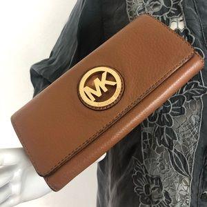 Michael Kors Fulton Wallet  Gold Hardware Acorn